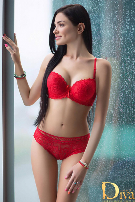 Enjoy a Great Time in London with Beautiful London GFE Escorts